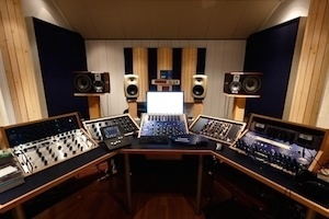 Groovy What You Need To Set Up A Home Recording Studio A Beginners Guide Largest Home Design Picture Inspirations Pitcheantrous